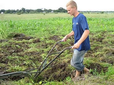 Chad ploughing Zambia
