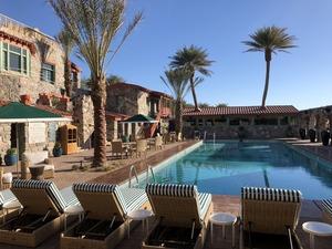 Oasis-Inn Pool Day