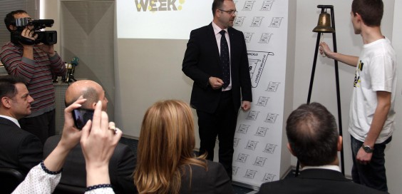 Macedonian youth rings Stock Exchange bell for Global Money Week