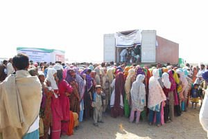 Distribution of buckets with dry food in Sindh 2