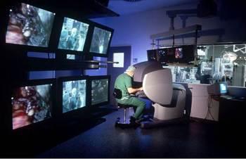 Virtual Reality OR Surgical Robot DaVinci LIC CC BY-SA 3.0