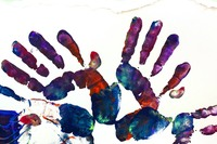 Kids-hands-art2-227585_1920 by stux PIXABAY Free Lic CC0