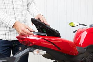 moto-vehicles-tracker-gps
