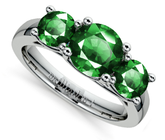 trellis-three-emerald-ring-white-gold-details-1