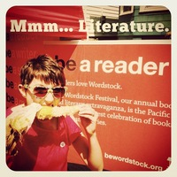 Be a Wordstock volunteer!