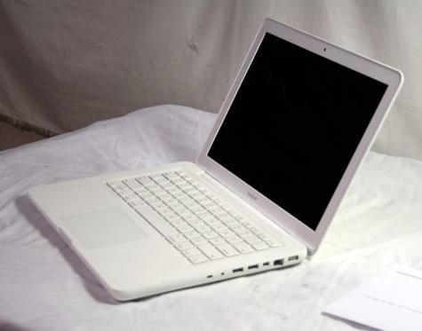 AppleLaptopLot2519_1