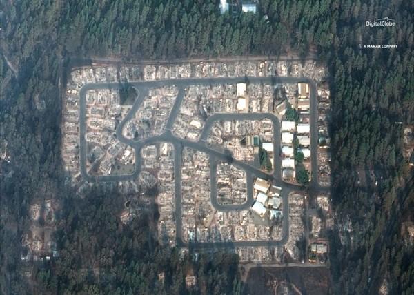 Camp Fire community full tagreuters.com2018binary_LYNXNPEEAI1G7-BASEIMAGE