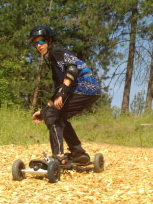teen mountainboarding