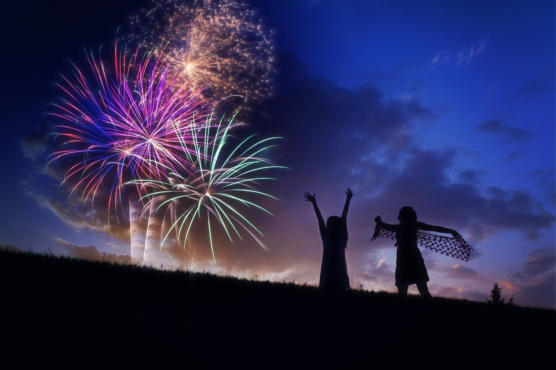 fireworks-804838_1920 2