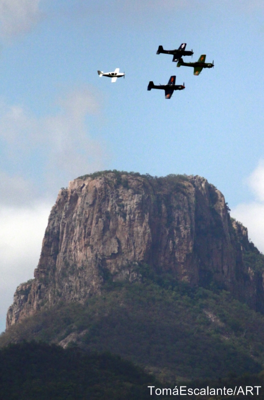 4 Planes at Cacharamba 2